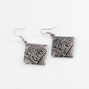 http://opearlbrands.com/213-280-thickbox/earrings-102.jpg