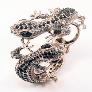 http://opearlbrands.com/226-313-thickbox/silver-lizard-bracelet.jpg