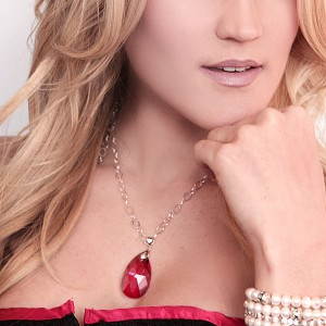http://opearlbrands.com/256-351-thickbox/red-crystal-necklace.jpg