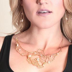 http://opearlbrands.com/263-364-thickbox/oksana-belo-s-rose-necklace.jpg
